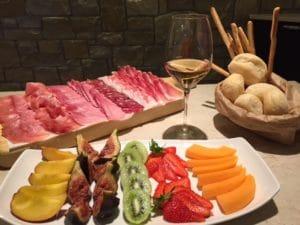 degustazione salumi e frutta